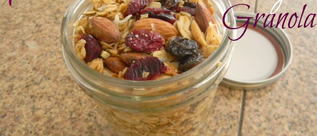 Weekend Brunch: Mom&#8217;s &#8216;Sweet and Nutty&#8217; Granola