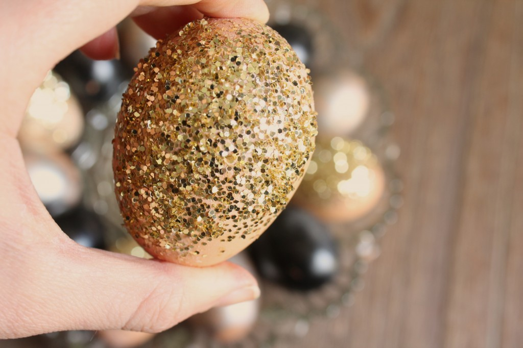 Festive Easter Eggs - Use Chalkboard Paint, Looking Glass Spray or Glitter!