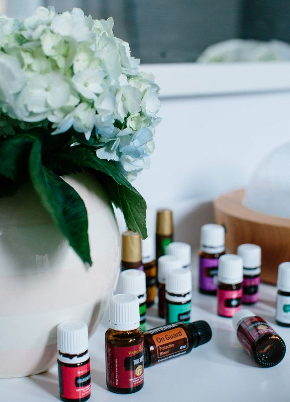 EVERYTHING I KNOW ABOUT ESSENTIAL OILS
