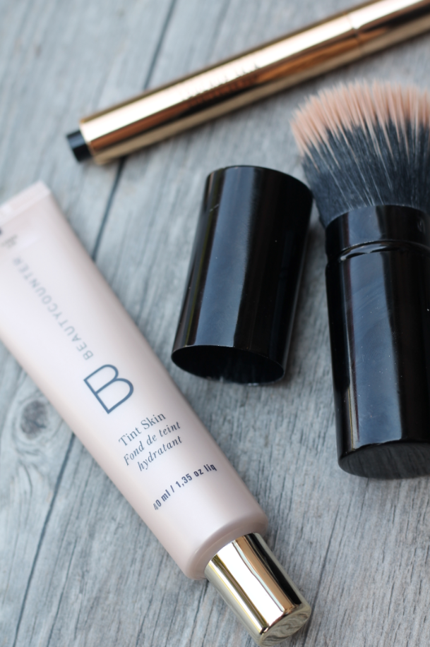 Beautycounter's 5-Minute Face - Tint Skin, Concealer, Foundation Brush